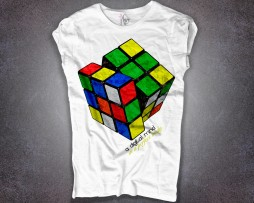 cubo rubik t-shirt donna bianco e scritta a digital mind in a perfect body