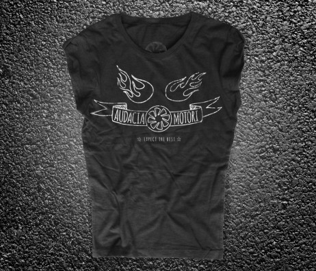 drape turbina t-shirt donna nera raffigurante la turbina del logo Audacia Motori